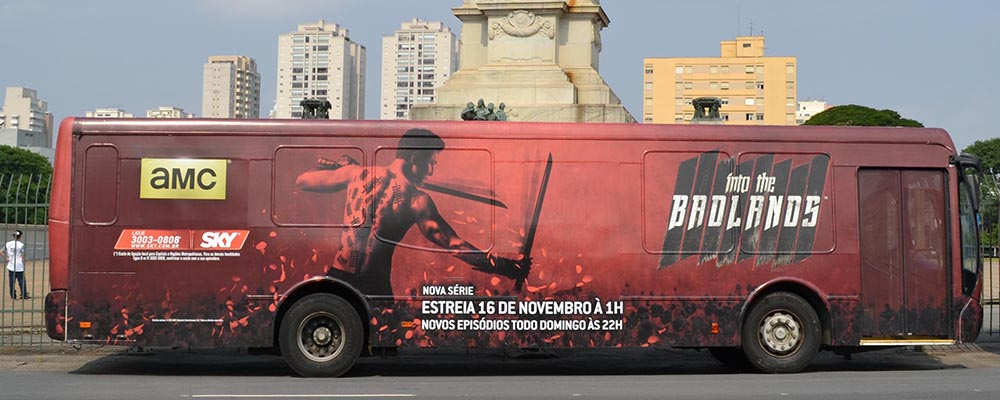 Ônibus Envelopado